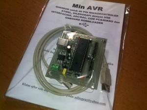 Min AVR (tidak termasuk mikrokontroler-nya)